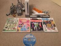 Nintendo Wii bundle and 5 games