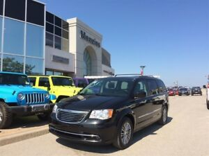 2014 Chrysler Town & Country Touring-Leather, Bluetooth, Cam, Cl