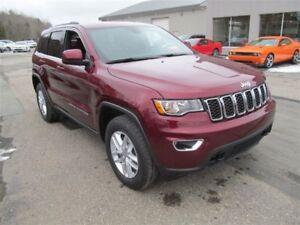 2017 Jeep Grand Cherokee Laredo - Demo Sale-Save! Trailer tow/Lo