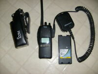 ICOM  IC-F30GS VHF 2WAY RADIO W/ANTENNA/MIC/HOLSTER/BATT