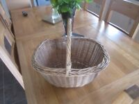 Vintage large wicker basket shopping picnic excellent original condition garden flower planter pot