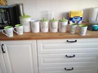Kitchen utensil/tea/coffee/sugar/biscuits x4 cups