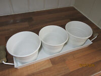 White Zinc set of 3 plant holders with tray