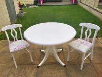 Beautiful shabby chic solid pine table 3x chairs