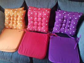 Pairs of seat cushions