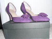 Ladies Court Shoes size 5 (38)