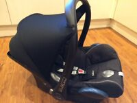 Maxi Cosi CabrioFix Car Seat with Isofix base and raincover