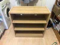 Wooden bookshelf / shelving unit