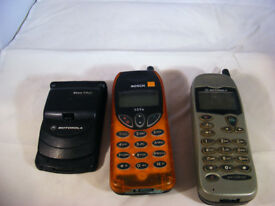 COLLECTION OF 3 RETRO MOBILE PHONES NON WORKING
