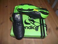 Sondico Football boots - size 10 (Euro 44.5)