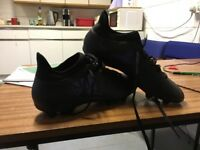 Adidas size 9.5 football boots