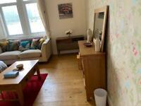 2 bedroom flat opposite Art Gallery