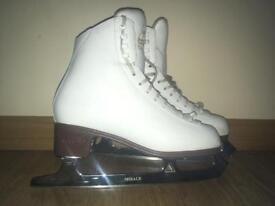 Used Jackson Classique skates for sale ,Ladies (skate size 7,Width C) Ice skates