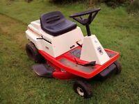 Simplicity 3110 ride on mower. 80 cm cutting width.