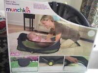 Munchkin fold 'n'go travel bassinet