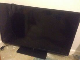 "Toshiba 49"" smart tv - *** broken screen ***"