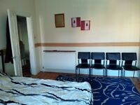 Lovely double Room with an ensuite in a house share