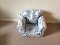 Manon Jojo childrens armchair