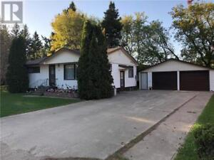 822 2nd AVE Carberry, Manitoba