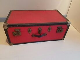 Red vintage trunk/storage chest/blanket box. Strong and intact. Perfect for an upcycle project