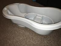 Baby Bath, Top and Toe Bowl £5.00