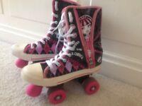 Girls monster high skates like new