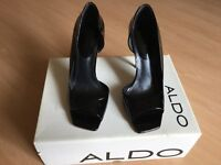 Aldo black patent size 6 / 39 .pewter 4 inch heal
