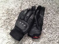 Leather motorcycle gloves. Size large.