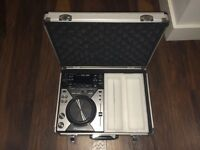 Pioneer CDJ 400 with Flight Case