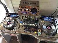 Platinum Pioneer CDJ 2000 Nexus + DJM 900 Nexus M Fully Boxed + RMX 1000 Stand