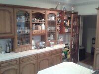 Kitchen wall and base units in medium oakfinish