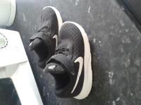 Nike infant trainers (6.5)