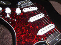 STRATOCASTER TYPE GUITAR WITH GIG BAG