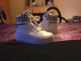 Girls White Retro Footwear