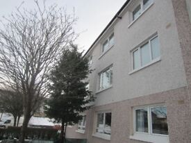 2 bedroom 1st floor bright warm spacious south side flat with loads of storage