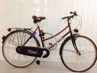 Mint condition Dutch City Bike Hub Gears SERVICD, Lights, Rack , Full Chain Cover