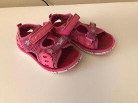 clarks sandals for girl 7 1/2 F
