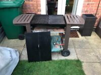 Large Gas Bbq - great working condition