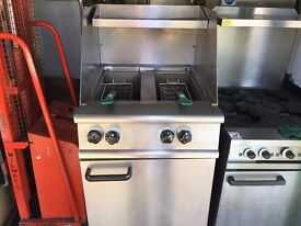 CATERING COMMERCIAL TWIN TANK GAS FRYER SERVICED FAST FOOD RESTAURANT CAFE KEBAB CHICKEN BBQ SHOP