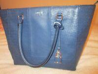 Guess bag excellent condition