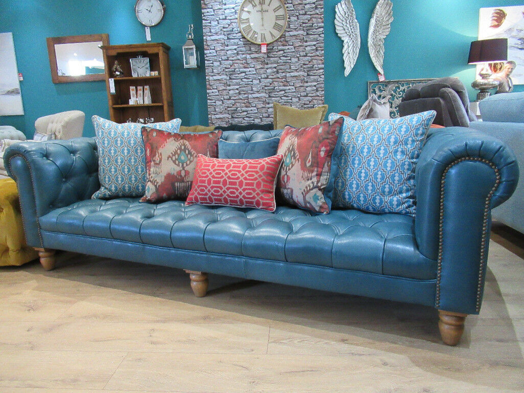 Ont Blue Leather 3 Seater Chesterfield Sofa With Complimentary Accent Cushions