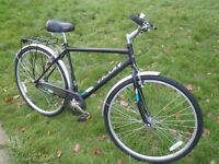 "Raleigh Designed Activ Varsity Mens Hybrid - 20"" Frame/Pannier/Mudguards/700C City Tyres - RRP £200"