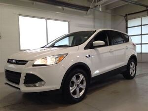 2014 Ford Escape SE| 4WD| ECOBOOST| SYNC| BACKUP CAM| 48,369KMS Cambridge Kitchener Area image 3