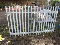 2.9m x 1.8m Galvanised palisade gates with posts, can deliver