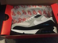 Size 7 Nike Air Max trainers BRAND NEW IN BOX!