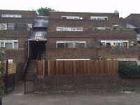 £750 pw | A spacious 4 bedroom flat with 2 gardens