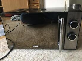 Tower 800w microwave in good working con