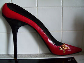 Ladies Large Red Matal Shoe/ Stiletto Wall Hanging