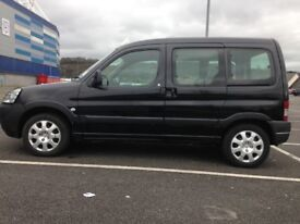 TAXI Hackney Cardiff Plate for Wheelchair Vehicles ( Partner. E7, VW, Expert & Doblo... )