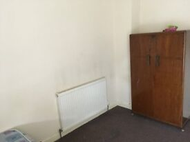 ANFIELD RANDOLPH ST TWO BED FURISHED HOUSE £350.00 PER MONTH